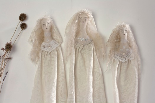 ghostly-ladies-08